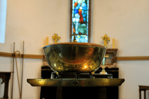 A picture of the interior of St. Peter's Church, Buntingford.